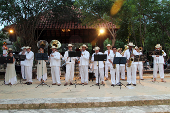 Banda interpreta música de Tabasco